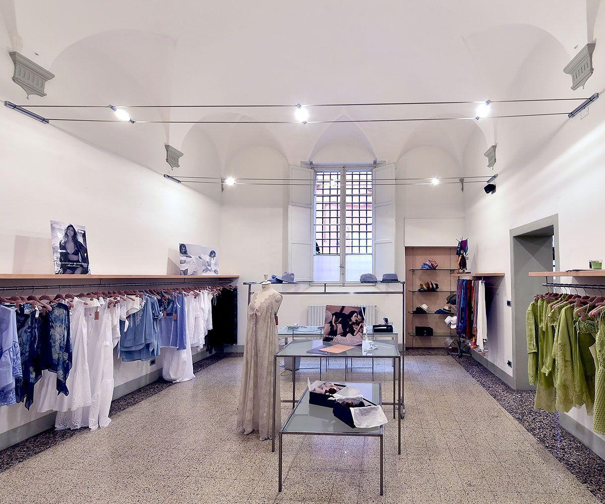 Showroom brand abbigliamento donna Bologna