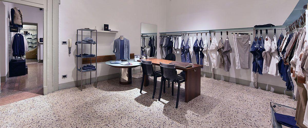 Showroom brand abbigliamento uomo Bologna